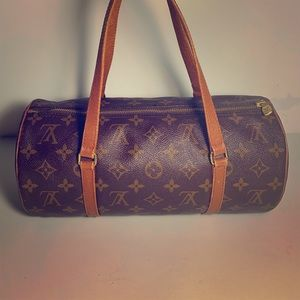 Authentic Louis Vuitton Papillon 26